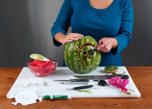 Making the watermelon pirate girl skull